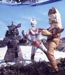 File:Alien-Grotes-3.jpg