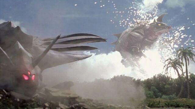 File:Ultraman Cosmos-Reija and Scorpiss 002.jpg