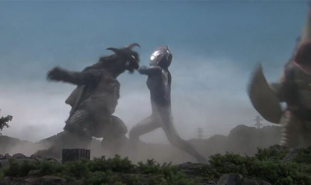 File:Ultraman Saga-Gomess and Gubila Screenshot 001.jpg