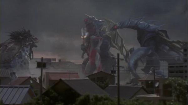 File:King of Mons and Bargis v Ultraman Gaia.png