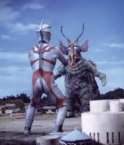 File:Zemistiar v Ultraman Ace.png