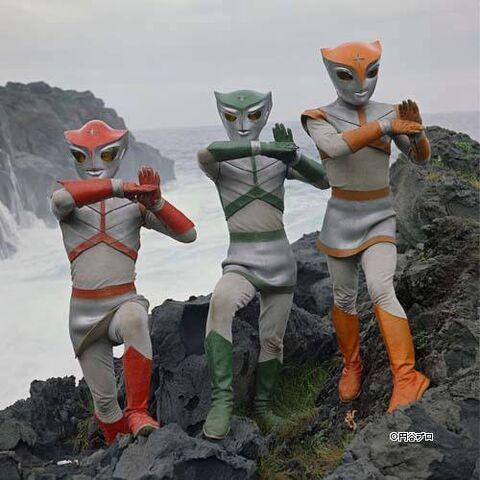 File:Triple fighter members.jpg