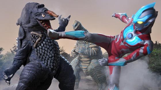File:Ultraman Ginga & Red King(Misuzu) vs Zaragas.jpg