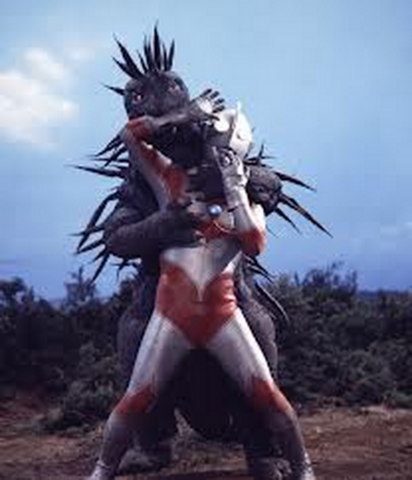 File:Mognezun v Ultraman Jack.png