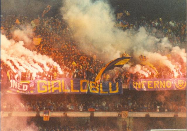 File:Hellas Verona.jpg