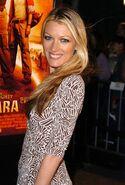 Natalie Zea (32)