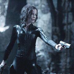 Selene fights William's Werewolves.