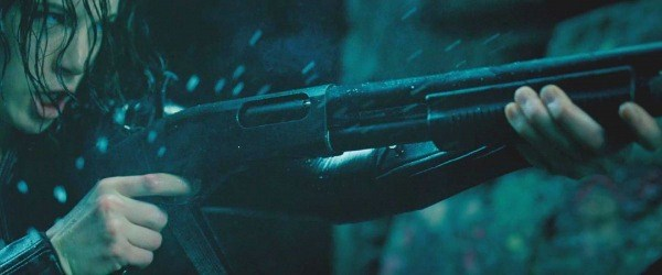 File:Selene ejects a spent shell from her Remington 870.jpg