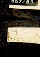 657 88 jeans label