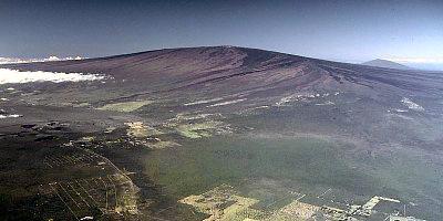 File:Mauna Loa.jpg
