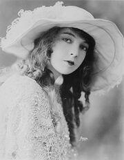 Lillian Gish-edit1