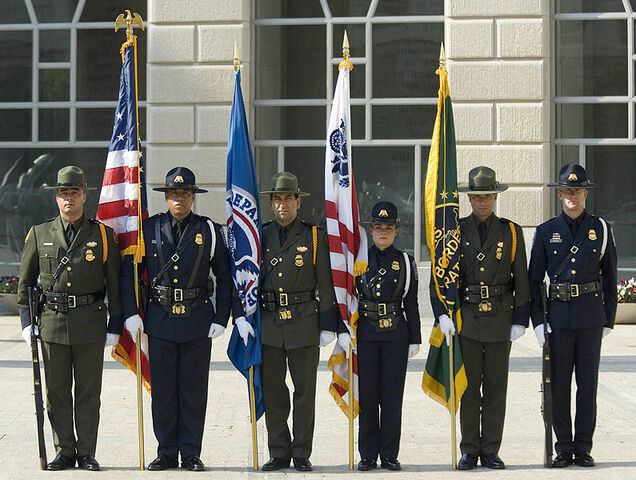 File:795px-CBP Officers pay tribute 2007.jpg