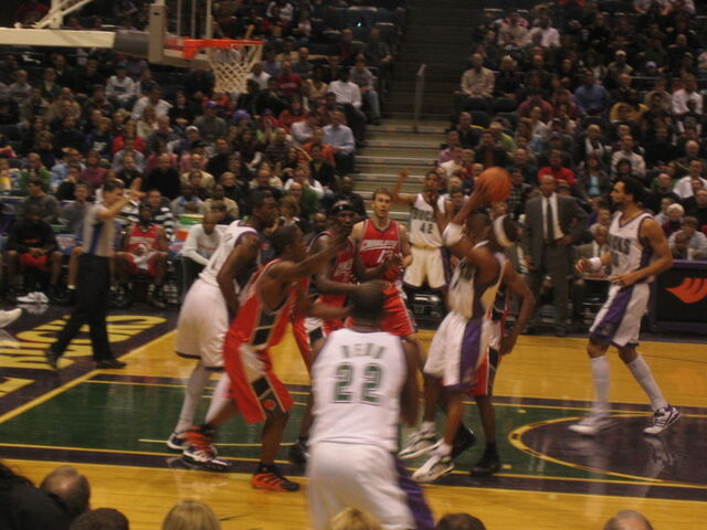 File:Bucks vs Bobcats - February 11th, 2006.jpg