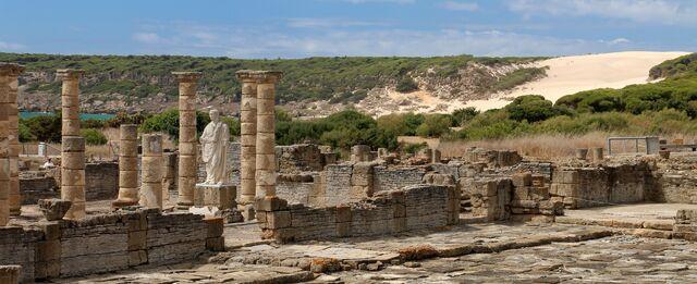 File:Ruins-1481422 1920.jpg