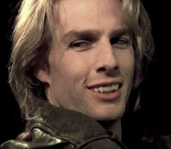 File:Once in Lestat's body, Raglan James then flees.jpg