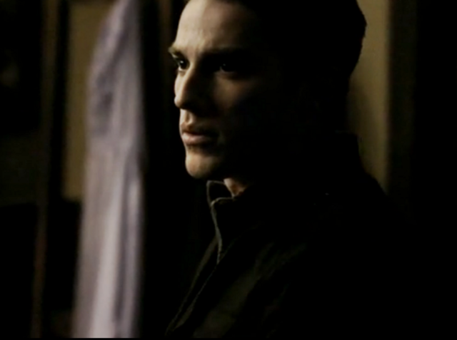 File:1X17 Tyler Lockwood Let the Right One In.png