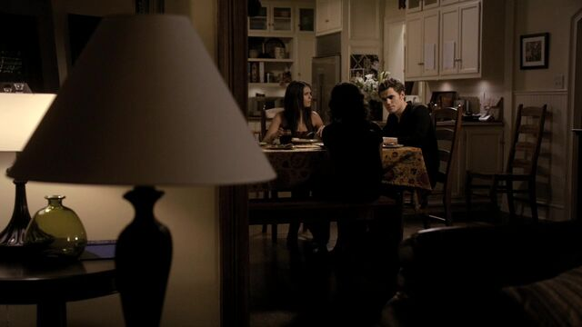 File:TVD1x03-Gilbert House 77.jpg
