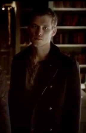 File:4x11 Klaus -Catch Me If You Can.jpg