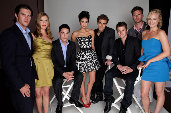 File:Young-hollywood-awards-vampire-diaries-cast-portrait.jpg