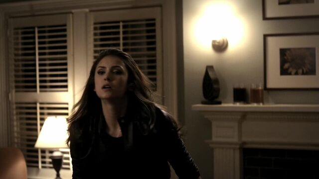 File:TVD2x01-Gilbert House 31.jpg