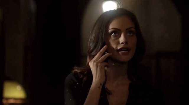 File:Hayley talking with Elijah on the phone 1x21.png