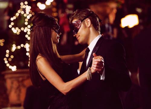 File:Stefan und Katherine.png