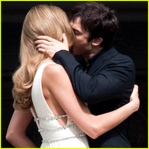 File:Ian-somerhalder-model-ana-beatriz-barros-commercial-kisses.jpg