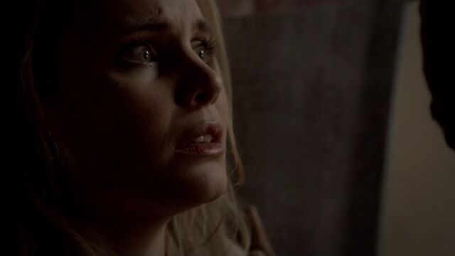 File:Camille 8 TO 1x02.jpg