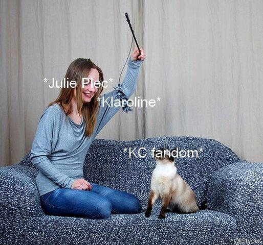 File:Julie-Plec-Fandom.jpg
