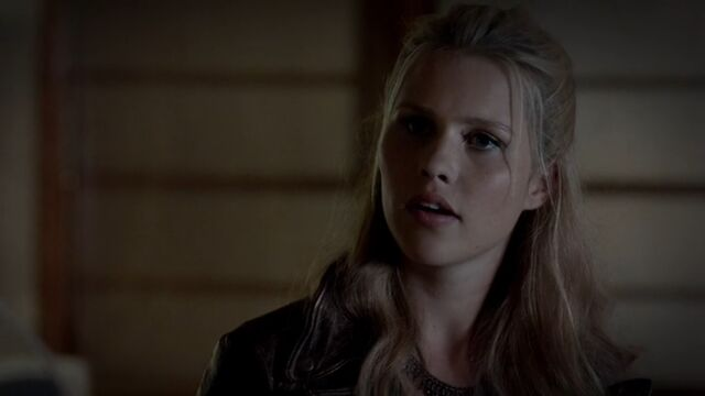 File:Rebekah 10 TO 1x04.jpg
