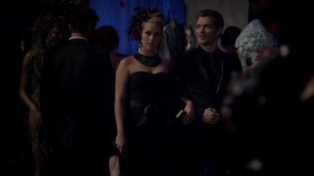 File:Klaus and Rebekah TO 1x03.jpg
