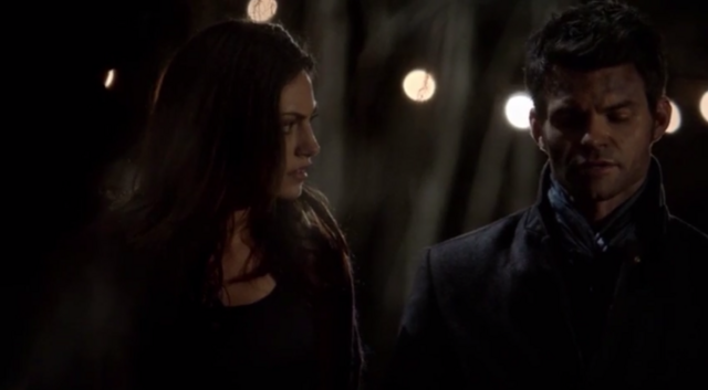 File:Hayley and Elijah 1.19.png