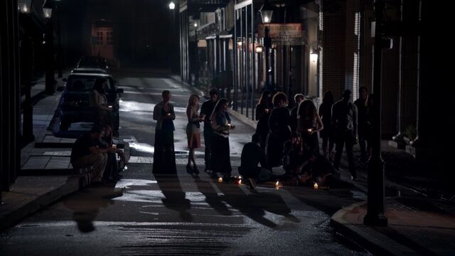 File:The Coven grieving the loss of Jane-Anne To 1x01.jpg
