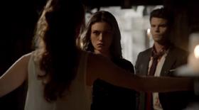 Genevieve-Elijah-Hayley 1x22..