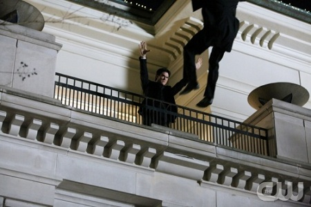 File:Dangerous-TVD-Damon-Fall.jpg
