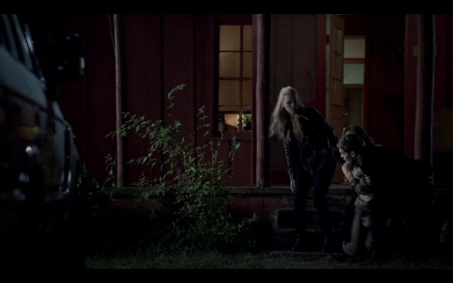 File:1x04-Klaus catching Hayley 2.png