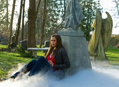 File:Elena-graveyard.jpg