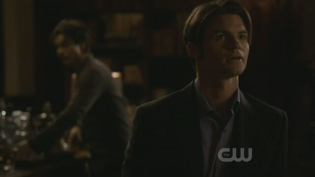 File:Elijah-3x15-The-Dinner-Party-elijah-19425356-1280-720.jpg