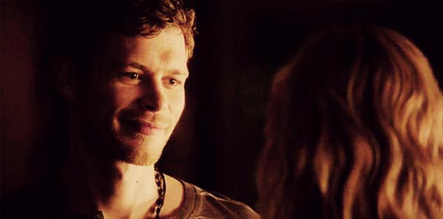 File:Klaus smiling to Caroline - 4x18.png