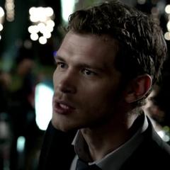 Klaus calls Caroline 'pretty'