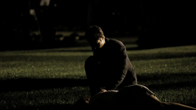 File:Stefan and Caroline in 1x4.png