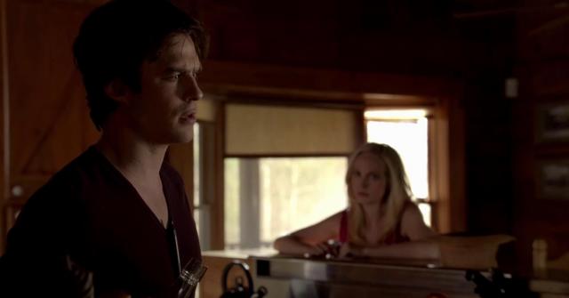 File:Damon-Caroline 5x20...png