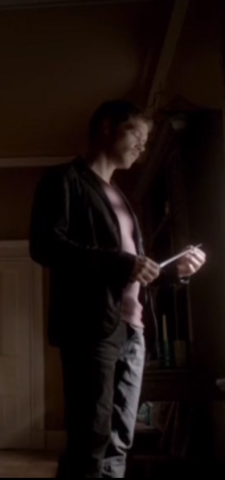 File:1x8 Klaus Mikaelson The River in Reverse.....png