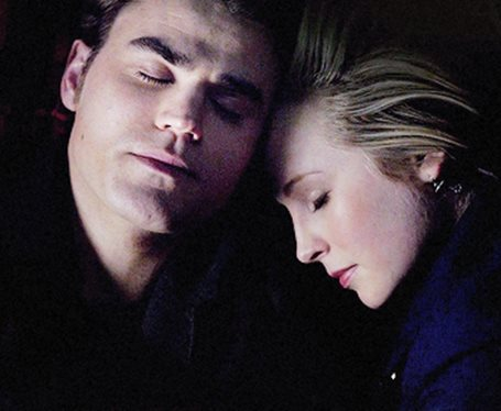 File:Stefan and Caroline 5x17.jpg