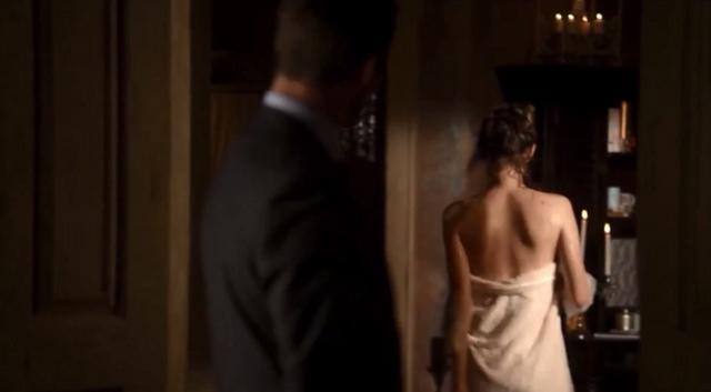 File:Elijah and Hayley 2x02.png