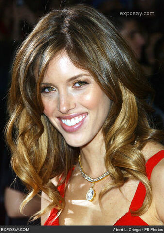 File:Kayla-ewell-twilight-los-angeles-premiere-Swe8Zh.jpg