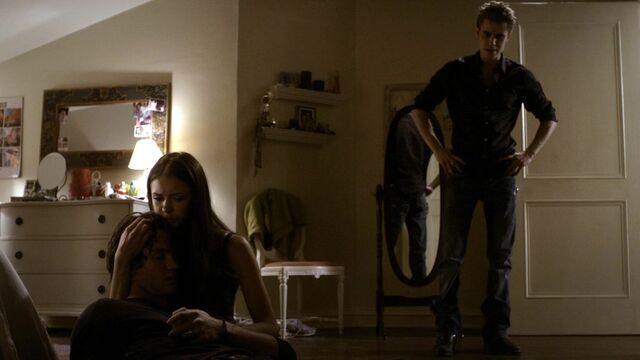 File:The Vampire Diaries S02E01 2809.jpg