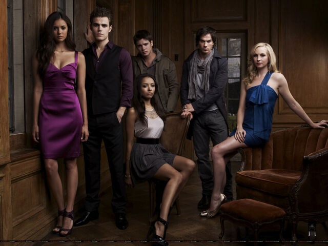 File:Jeremy and the TVD crew.jpg