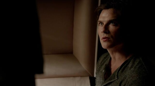 File:7X01-122-Damon.jpg