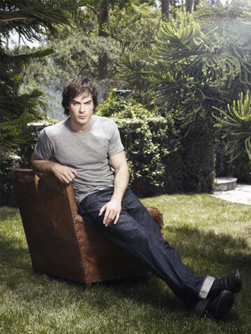 File:Damon-Salvatore-s229.jpg